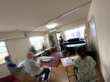 大人のピアノグループレッスンの様子・体験レッスンもお待ちしています!の画像