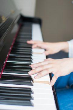こどものピアノに保護者のフォローが必要ですか?の画像